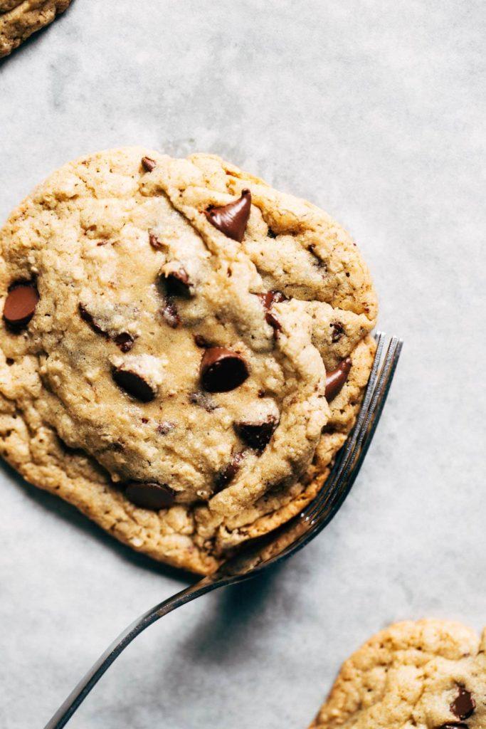 freshly-baked-gluten-free-chocolate-chip-cookies-683x1024.jpg